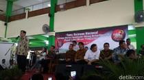 Tiba di Asrama Haji, Luhut Beri Pengarahan ke Relawan Jokowi