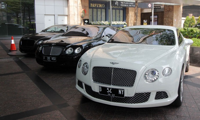 Kongkow Pemilik Mobil Mewah Bentley