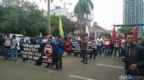 Demo di Kemenaker, Buruh Minta Keselamatan Kerja Diperhatikan