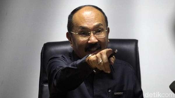 Jaksa KPK Protes Gerakan Tangan Fredrich ke Dahi Saat Sidang