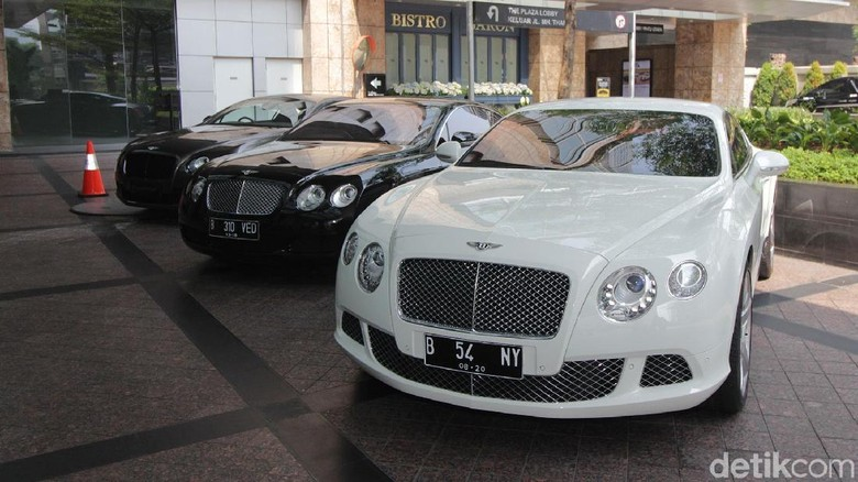 Begini Jadinya Ketika Pemilik Bentley di Indonesia pada Kongkow