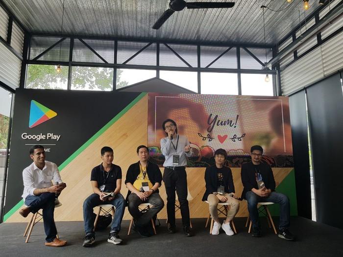 Rokimas Soeharyo berbicara di diskusi panel Google Playtime (Foto: Google Indonesia)