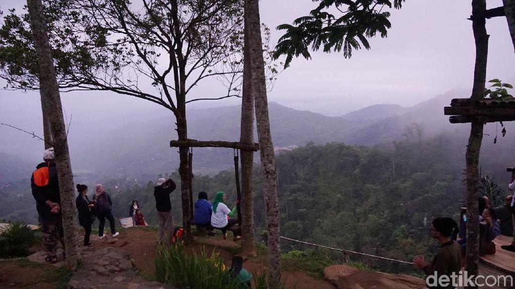 Bukit ISIS di Yogyakarta yang Cantik dan Pernah Jadi Kontroversi