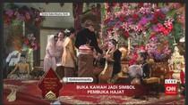 Jokowi Minum Rujak Degan, Lalu Timbang Berat Kahiyang-Bobby