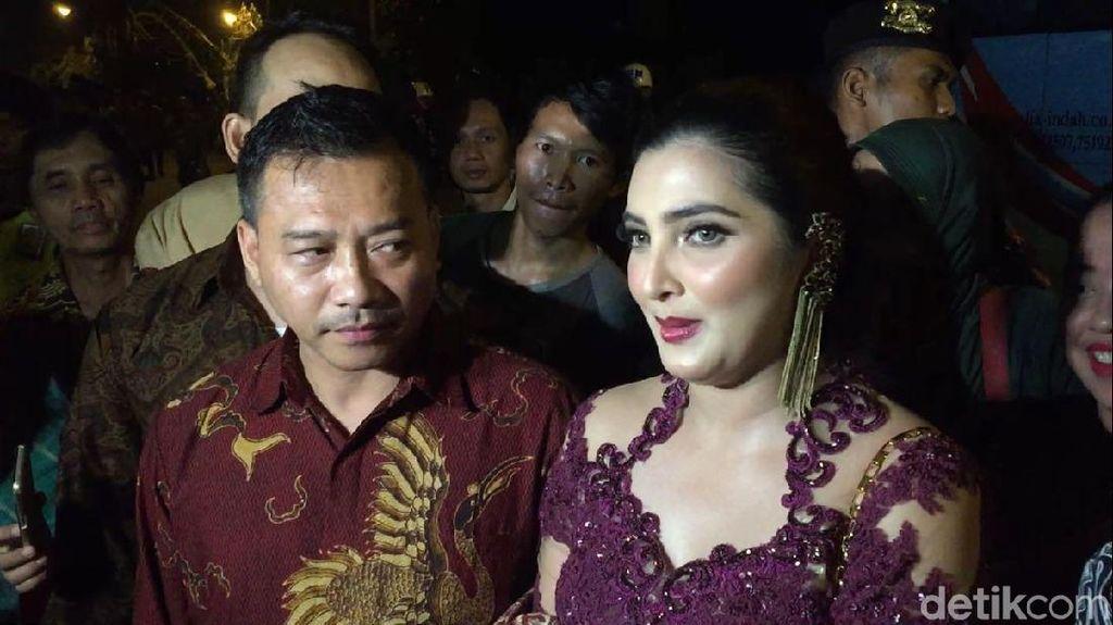 Jokowi Tak Terima Hadiah di Pernikahan Kahiyang, Anang Acungi Jempol