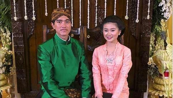 Barisan Patah Hati Lihat Kaesang Bawa Pacar ke Pernikahan Kahiyang-Bobby