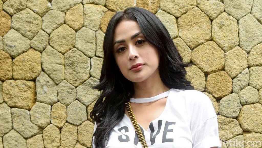 Akan Menikah dengan Mantan Manajer Vicky Prasetyo, Selvi Kitty Deg-degan