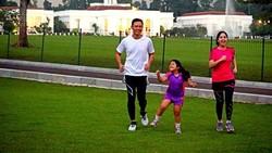 Annisa Pohan tampil fresh di pernikahan Kahiyang-Bobby. Mungkin salah satu rahasianya adalah ia gemar berolahraga. Yuk intip olahraganya di sini.