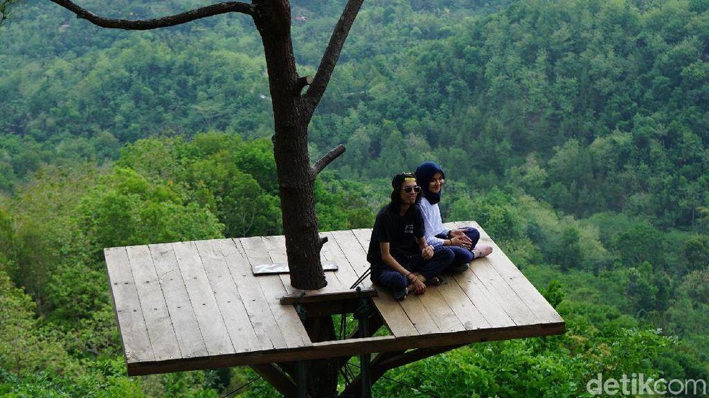 Foto: Inspirasi Kahiyang-Boby, Foto Romantis Yuk di Kalibiru