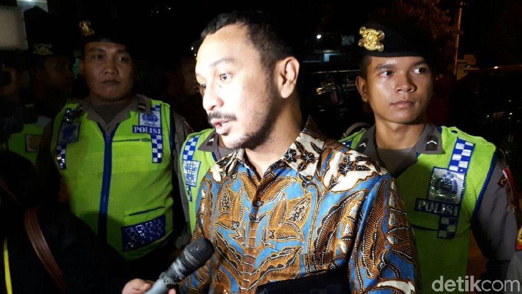 Giring Makan Gudeg Pakai Bubur di Resepsi Anak Presiden Jokowi
