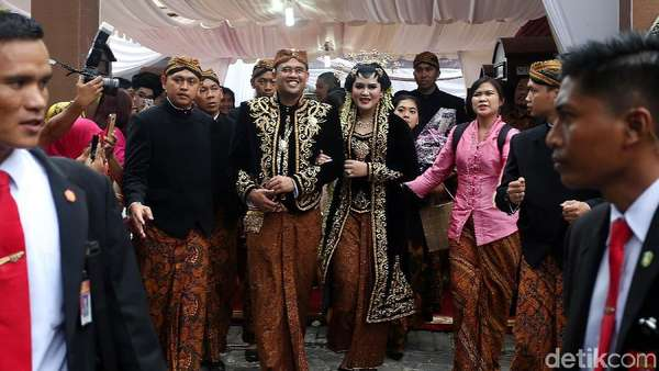 Jokowi Mantu, Pengusaha Rental Mobil Raup Omzet Hingga Rp 30 Juta