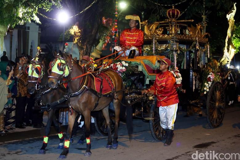 7 Kereta dan 14 Kuda Dibawa dari Solo untuk Ngunduh Mantu Kahiyang
