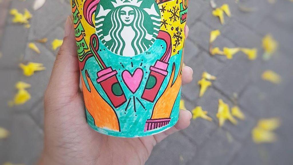 Intip Kreasi Keren Holiday Cup Starbucks yang Diwarnai Netizen