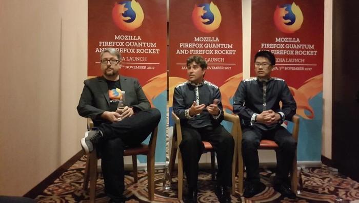 David Slatter, SVP Operations Mozilla (tengah). Foto: yudhianto/detikinet