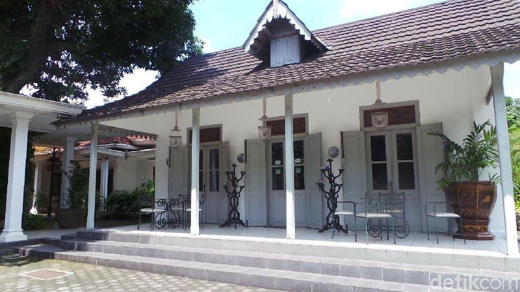 Usai Pernikahan Kahiyang-Bobby, Yuk Belajar Batik ke Museum Danar Hadi