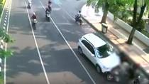 Polisi Periksa Pengemudi Mobil yang Tabrak 3 Motor di Surabaya