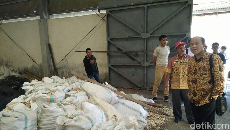 Gudang Garam Ini Beralih Jadi Tempat Penyimpanan Tongkol Jagung