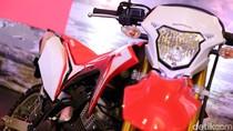 Tidak Seperti Pesaingnya, Honda CRF150L Sudah Pakai Injeksi