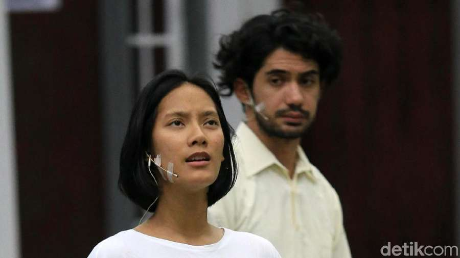 Intip Proses Latihan Reza Rahadian, Tara Basro dan Chelsea Islan