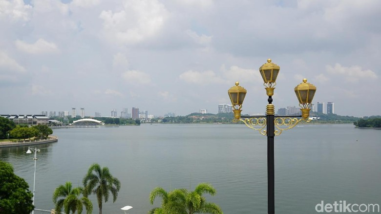 Danau buatan di Putrajaya, Malaysia (Masaul/detikTravel)