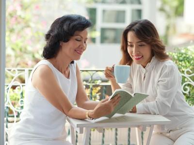 Ibu Ini Tak Mau Baca Buku Soal Parenting, Kenapa Ya?