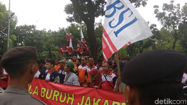 Sandi akan Tampung Masukan Pemerintah hingga Buruh soal UMP DKI