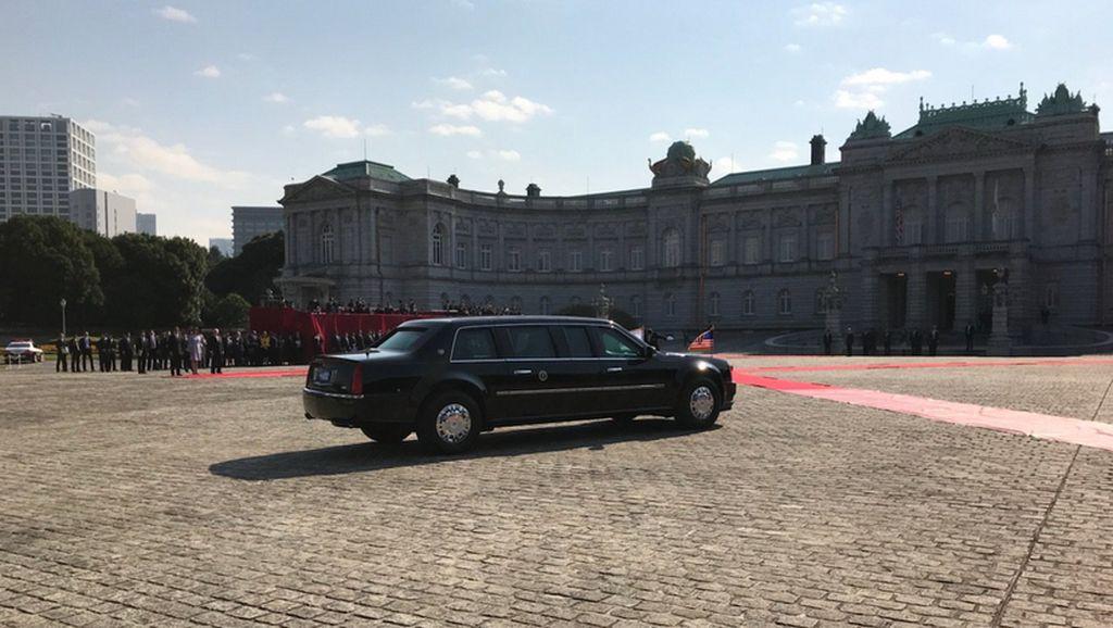 Mengintip Cara Secret Service Angkut Mobil Presiden Trump ke Asia