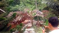 Bangunan Sarang Walet di Sukabumi Ambruk Diterjang Longsor