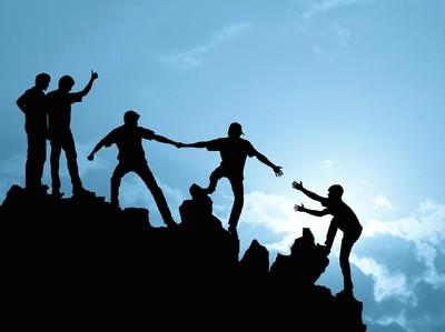 6 Tips Agar Tidak Tersesat Saat Mendaki Gunung