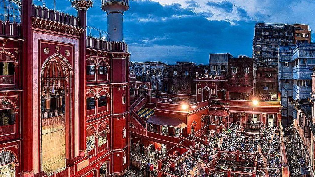 Kolkata Bertabur Kuil, Gereja dan Masjid Instagrammbale