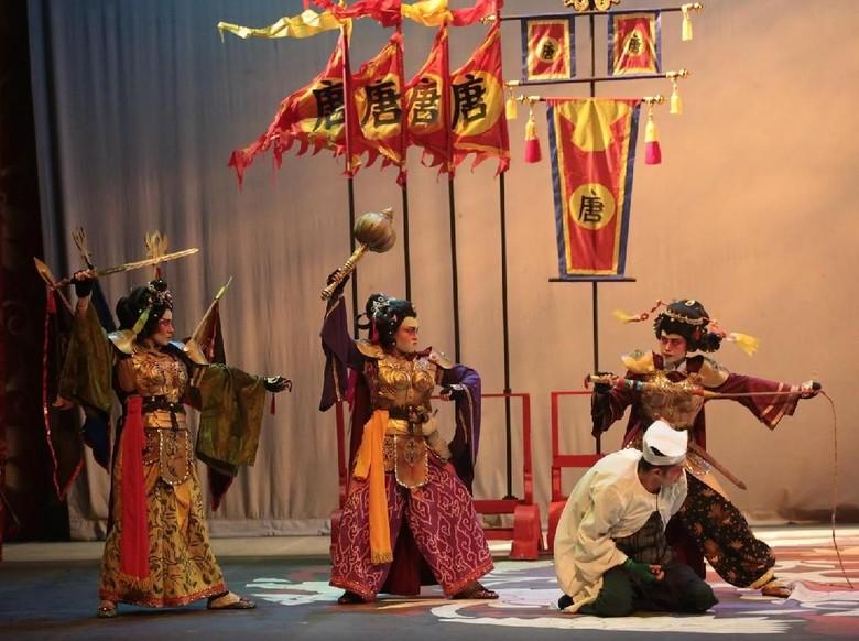 Teater Koma Pentaskan Sie Jin Kwie 4 Berdurasi Hampir Empat Jam