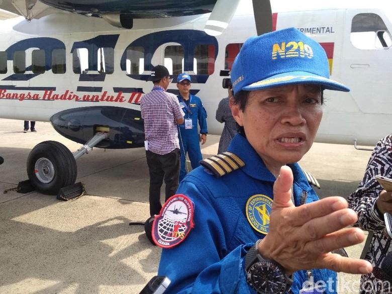 Ini Dia Esther Gayatri, Perempuan Pertama yang Menerbangkan N219