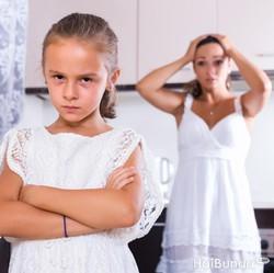 Saat Anak Bicara Kasar, Jangan Langsung Marah Ya, Bun