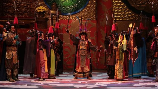 Teater Koma Pentaskan 'Sie Jin Kwie 4' Berdurasi Hampir Empat Jam
