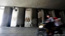 Tiang Underpass Pondok Indah Bolong, Bahaya Nggak Sih?