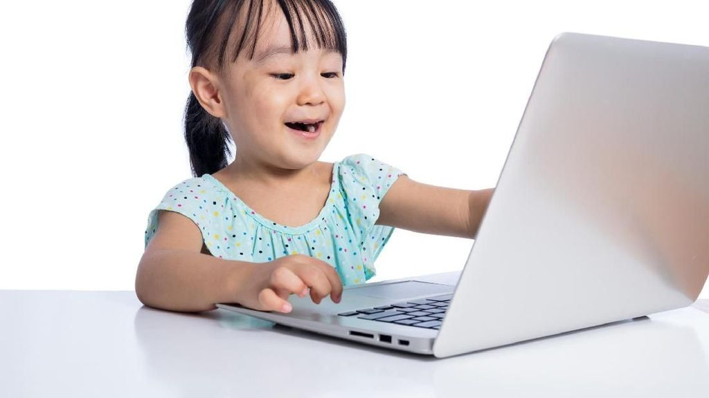 Jangan Sampai Likes di Medsos Pengaruhi Perkembangan Anak Jaman Now