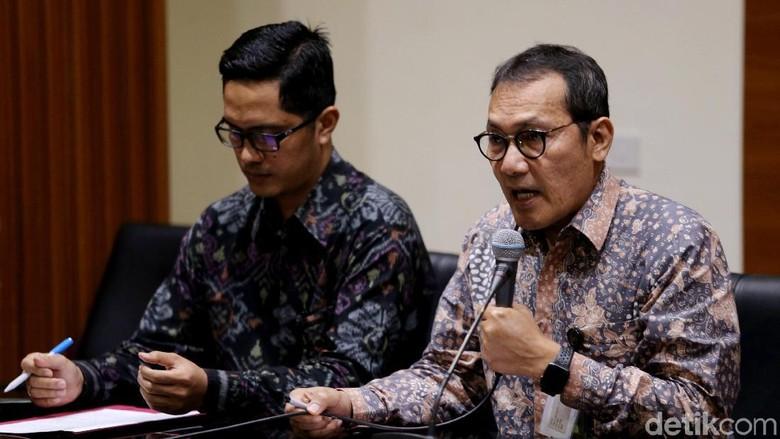 di Kasus Umumkan Dilaporkan ke - Jakarta Babak baru antara KPK dengan Setya Novanto kembali dimulai sejalan dengan penetapan tersangka Ketua DPR Di balik