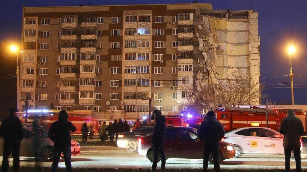 Apartemen 9 Lantai Ambruk di Rusia, 3 Orang Tewas
