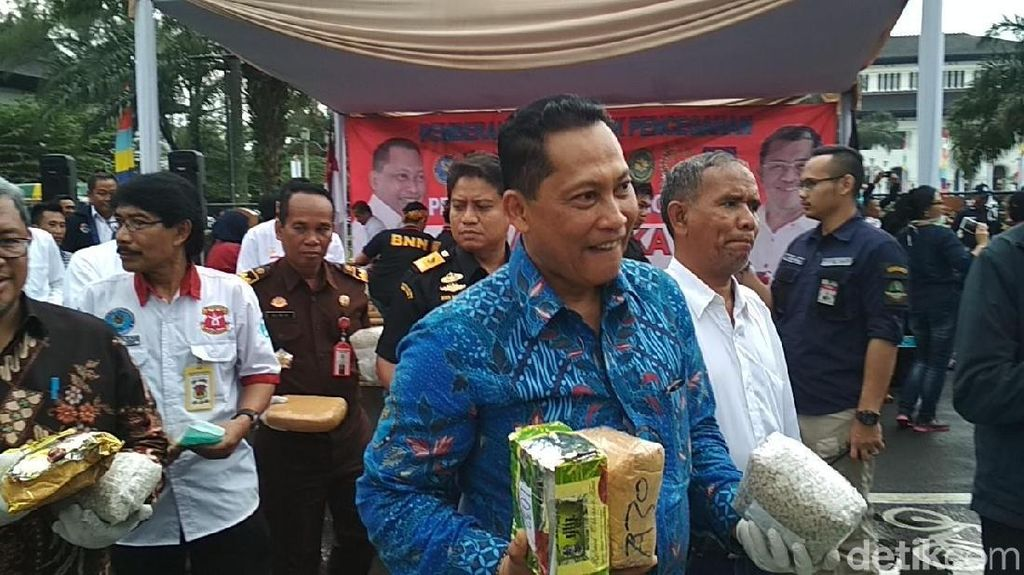 Komjen Buwas Pimpin Pemusnahan Barang Bukti Narkoba di Bandung