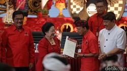 Hadapi Wayan Koster, 9 Parpol Godok Nama Rai Mantra dkk