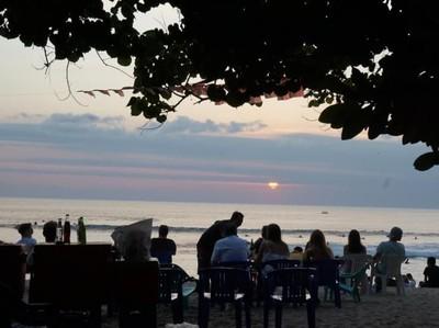 Sunset Kuta yang Selalu Menghangatkan Suasana