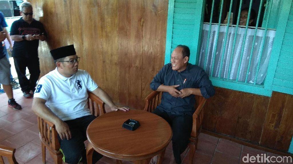 Ridwan Kamil Ngobrol Bareng Pelajar di Rumah Sejarah Rengasdengklok