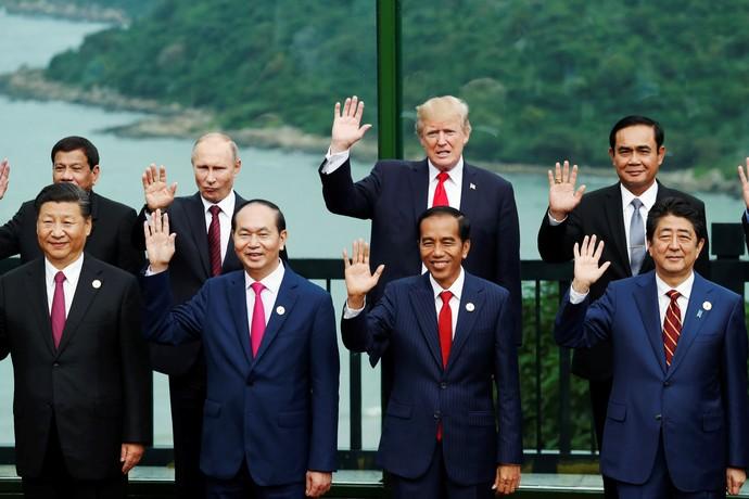 Keren, Jokowi Bersanding dengan Trump Hingga Putin