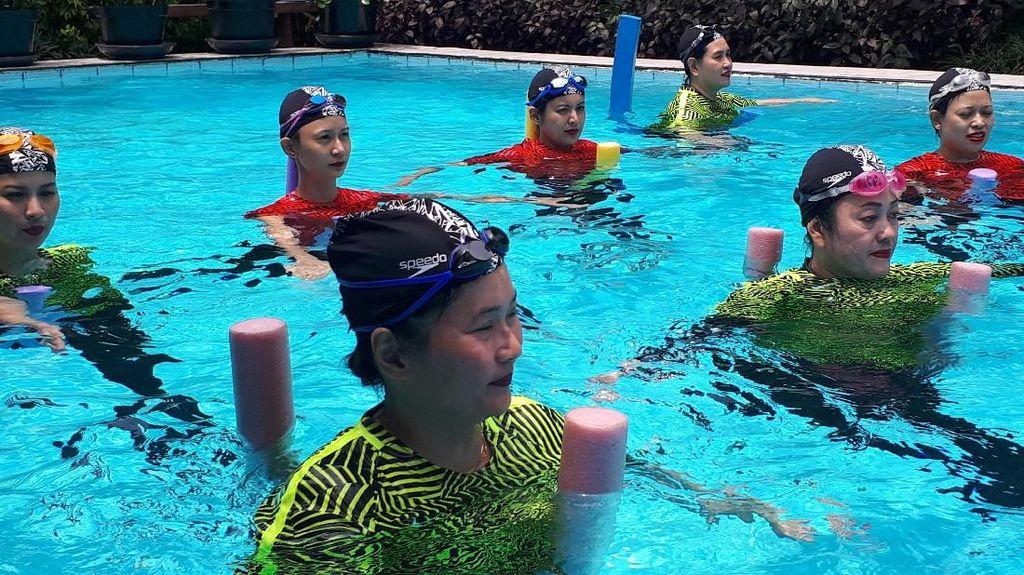 Mengatasi Nyeri Pinggang dengan Berenang