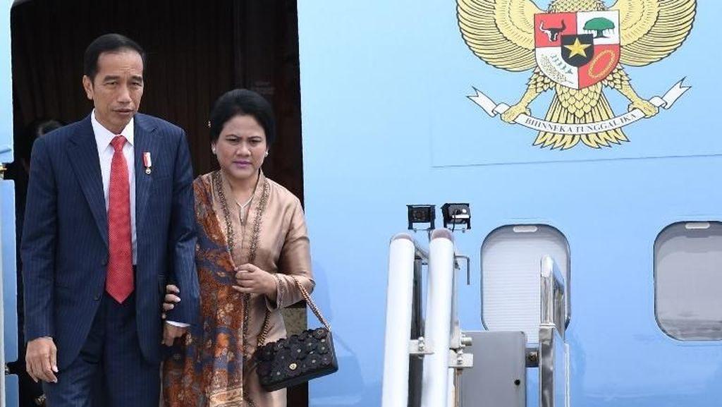 Jokowi dan Keluarga Tiba di Medan Malam Ini