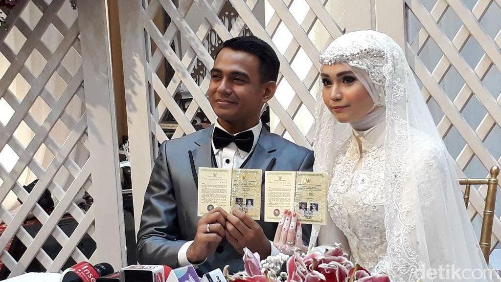 Lima Bulan Jalin Asmara, Zaky Zimah Resmi Nikahi Kekasih