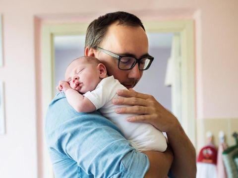 Mengenal Arsenic Hour, Saat Bayi Sering Menangis di Malam Hari/