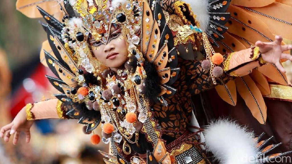Foto: Hebohnya Kostum Banyuwangi Ethno Carnival 2017