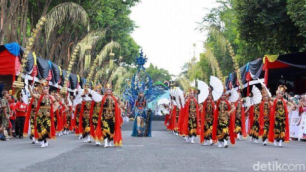 Banyuwangi Ethno Carnival Jadi Bukti Budaya Lokal Bisa Mendunia