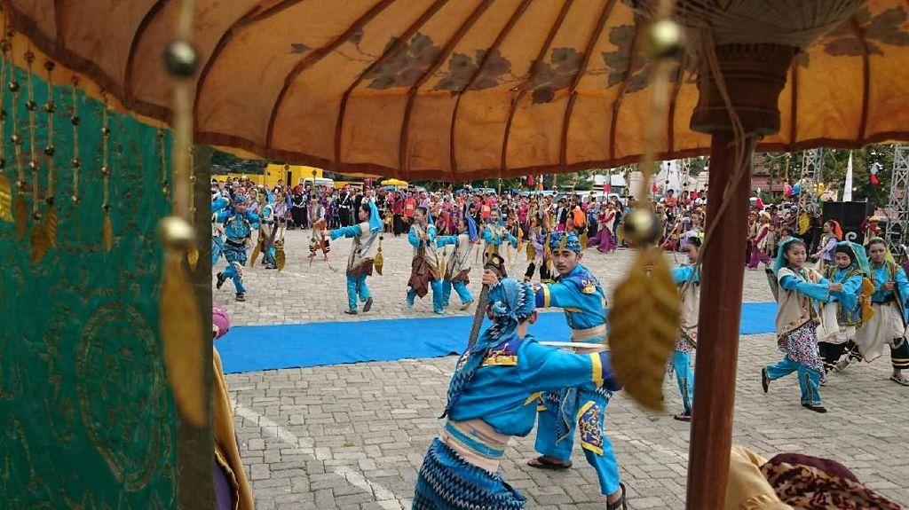 Banten Lama: Disegani Eropa, Punya Uang Sendiri hingga Debus